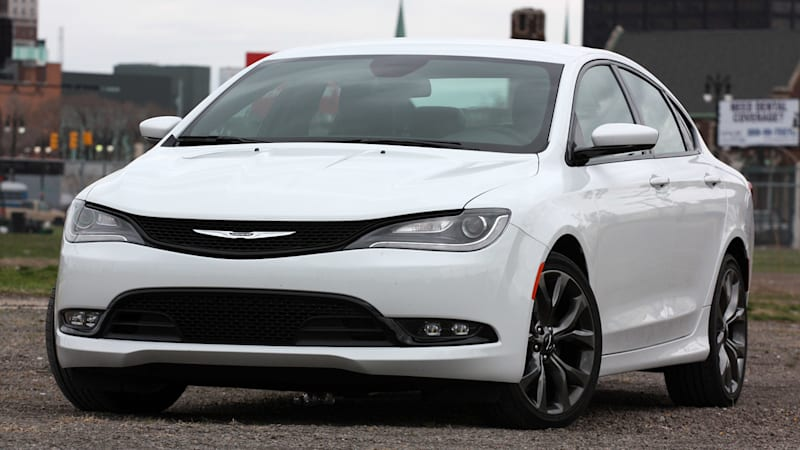 78k chrysler 200 sedans recalled for stalling autoblog. Black Bedroom Furniture Sets. Home Design Ideas