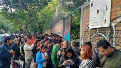 Laaaargas filas rodean a las casillas especiales en la Ciudad de