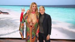 Ellen DeGeneres donne à Julia Roberts une métamorphose à la «Kardashian» pour augmenter ses abonnés