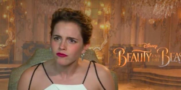 Emma Watson cloue le bec de ceux qui trouvent hypocrite sa photo seins nus dans Vanity Fair