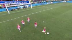 Les enfants des joueurs croates aussi ont montré leur talent balle au