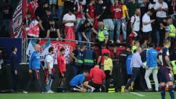 La barrière d'une tribune de foot s'effondre en plein match près de Bilbao, deux