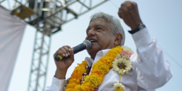 Andrés Manuel López Obrador se reunió con simpatizantes en Iguala, Guerrero.