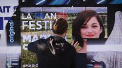 On a suivi les street artists parisiens qui détournent et réinventent les affiches