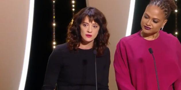 """""""Nous savons qui vous êtes!"""": le discours fort d'Asia Argento sur les agressions sexuelles à Cannes"""