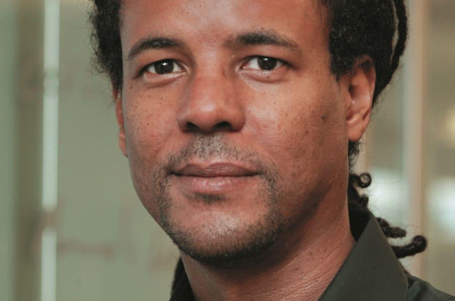 'Temos vários líderes racistas', diz o autor.