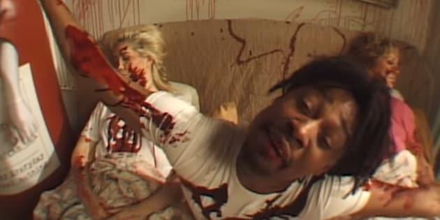 """Le rappeur Danny Brown dans le clip de sa chanson """"Ain't It Funny""""."""
