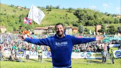 La Pontida di Matteo. Salvini lancia la sua corsa a palazzo Chigi e tiene Bossi all'angolo: