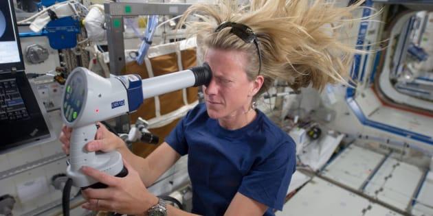 L'astronaute Karen Nyberg à bord de l'ISS, en 2013