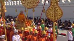 Les images des funérailles monumentales du roi de Thaïlande, un an après sa