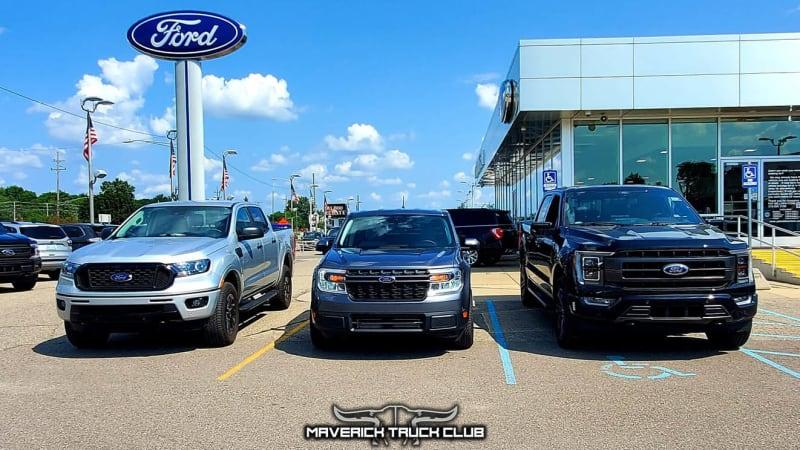 Ford Maverick schaut im Familienporträt zu Ranger und F-150 auf