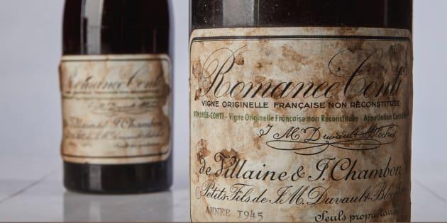 Une bouteille de vin s'arrache à prix d'or aux enchères — New York