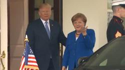 Merkel a reçu une bise elle aussi, mais l'accueil de Trump était très loin de celui réservé à