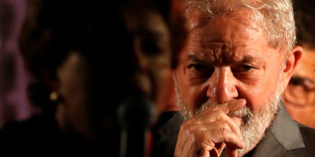 O ex-presidente Lula teve a condenação confirmada e a pena aumentada pelo TRF-4 no caso do tríplex do Guarujá.