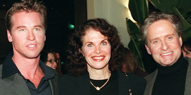 Val Kilmer, l'ancienne présidente de Paramount Sherry Lansing et Michael Douglas le 3 octobre 1996.