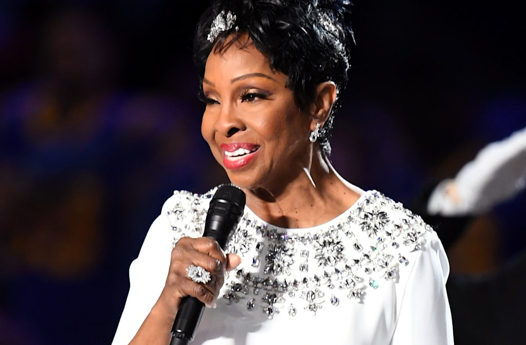 6de84375663 Gladys Knight s national anthem performance gets rave reviews amid  controversy