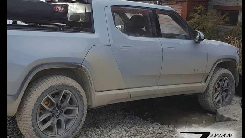 Two Rivian R1T pickups spotted in Tierra del Fuego