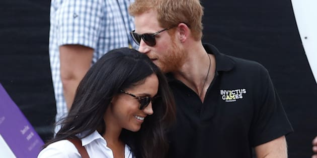 Os dois estão juntos há quase um ano e meio e os boatos do casamento ganharam força durante o fim de semana nos tabloides britânicos.