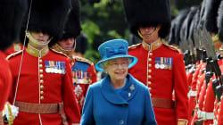 La Reine d'Angleterre a failli être abattue... par un de ses propres
