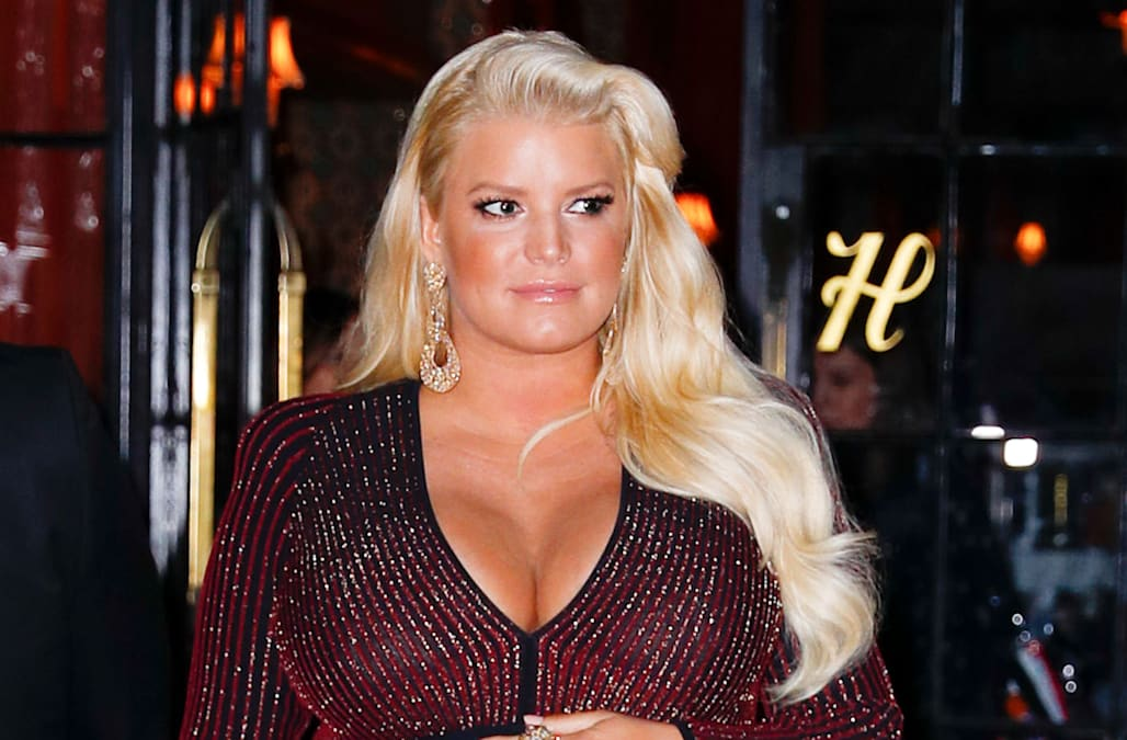fced8a7103e3be Baby No. 3! Jessica Simpson and husband Eric Johnson welcomed their third  ...