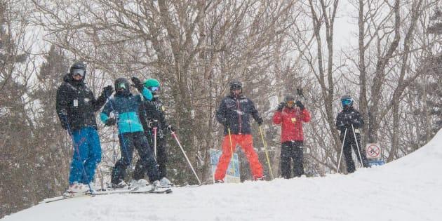La neige avait déjà ramené les sourires et le bonheur à ces skieurs au Mont Sutton en Estrie jeudi midi.