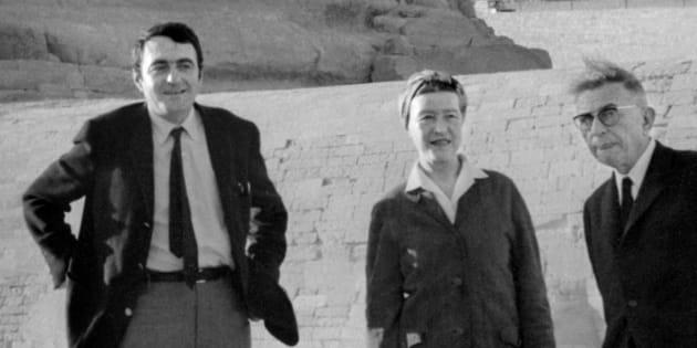 Claude Lanzmann, Simone de Beauvoir et Jean-Paul Sartre devant le Sphinx de Gizeh.