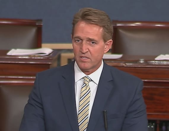Flake calls on Congress to stand up against Trump