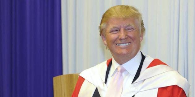 """Trump versera 25 millions de dollars de dommages aux étudiants de son université """"frauduleuse"""""""