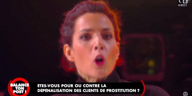 Solveig Halloin accusant le groupe Canal d'avoir fait fortune grâce à la prostitution.