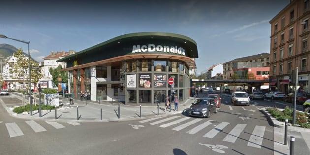 Le restaurant McDonald's du cours Jean Jaurès de Grenoble.