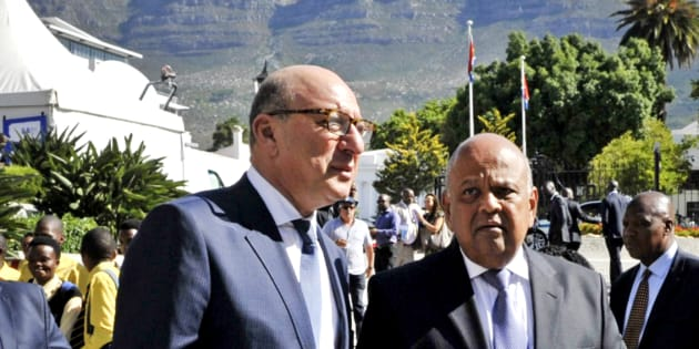 Minister of Finance Pravin Gordhan with one of his predecessors, Trevor Manuel, ahead of Gordhan's 2016 Budget Vote Speech in February 2016.