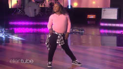 Cette fille de 9 ans, phénomène d'internet, a aussi assuré sur le plateau d'Ellen