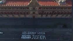 'Ustedes quieren votos, nosotros justicia', así la protesta de periodistas en Palacio Nacional (fotos y