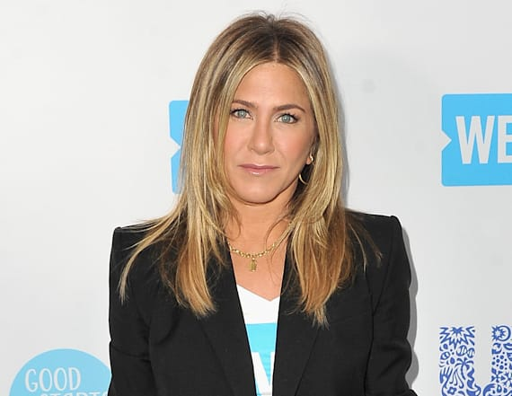 Jennifer Aniston wears wrist brace on red carpet