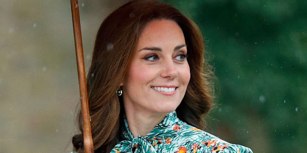 Catherine, Duchess of Cambridge visits the Sunken Garden in the grounds of Kensington Palace on August 30, 2017 in London, England. The Sunken Garden has been transformed into a White Garden dedicated to Diana, Princess of Wales mother of The Duke of Cambridge and Prince Harry marking the 20th anniversary of her death. (Photo by Max Mumby/Indigo/Getty Images)