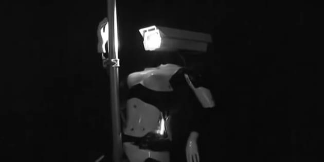 Des robots danseuses de pole-dance dans un club de striptease à Las Vegas