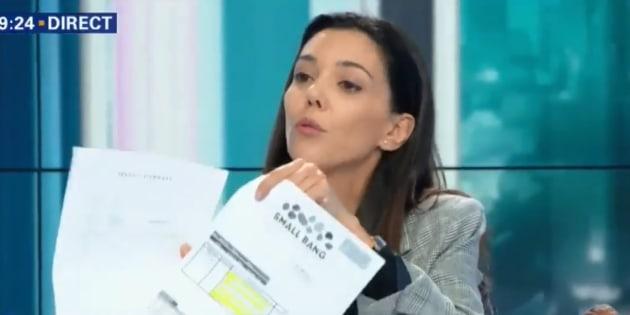 Sophia Chikirou montre les factures des campagnes de Hamon et Macron pour nier les accusations