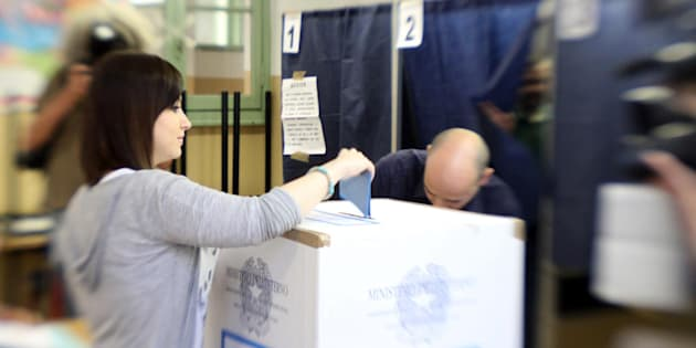 Elezioni Genova, alle 12 affluenza al 16 per cento