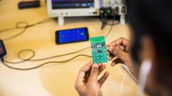 Crean el primer teléfono móvil que funciona sin