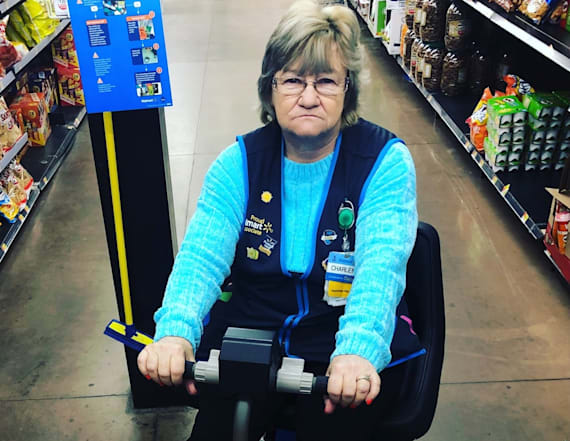 This Walmart employee has social media rolling