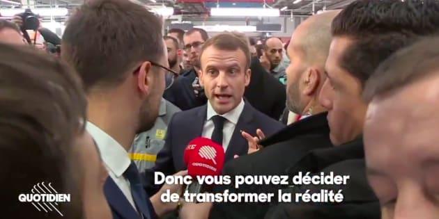 """Emmanuel Macron interrogé par la presse après son """"itinérance mémorielle"""""""