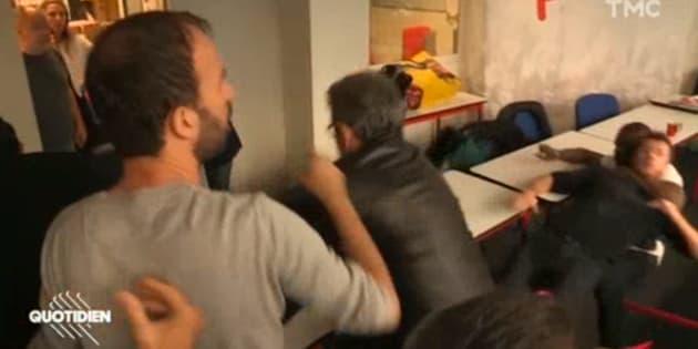 """""""Quotidien"""" dévoile les images d'altercations entre Insoumis et policiers lors de la perquisition au siège de LFI"""