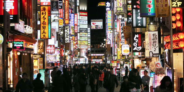 多くのキャバクラ店がひしめく新宿・歌舞伎町