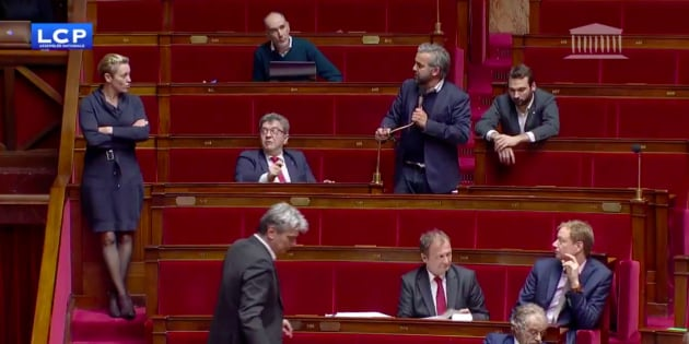 Alexis Corbiere dans l'Hémicycle pendant les débats sur la loi anti-cassuers