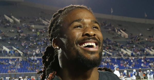 Former NFL star DeAngelo Williams makes heartwarming donations to honor mom who died of breast cancer