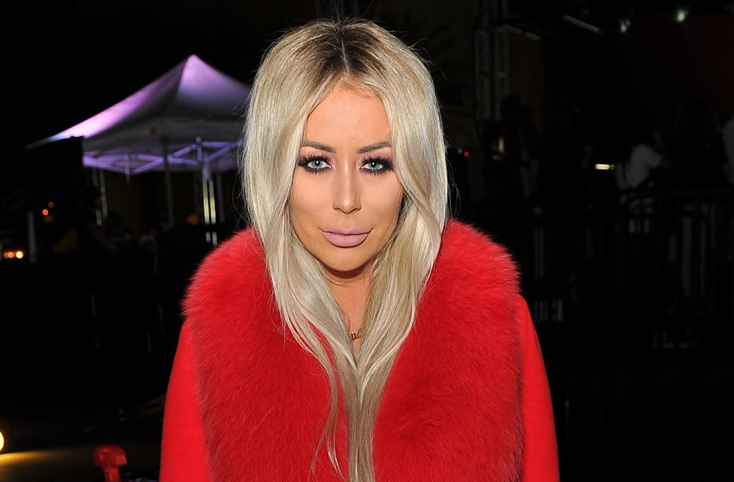 59bb969a156 Making a statement. Aubrey O Day sent a loud and clear message with her T- shirt choice as she posed outside the White House in Washington