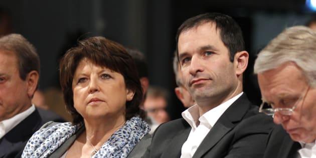 Martine Aubry et Benoît Hamon à Paris lors d'un Conseil national du PS, en avril 2011