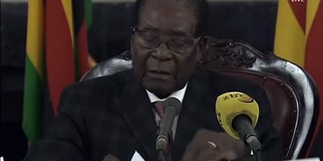 """Cnn: """"Mugabe si è accordato con militari, pronta la lettera di dimissioni"""""""