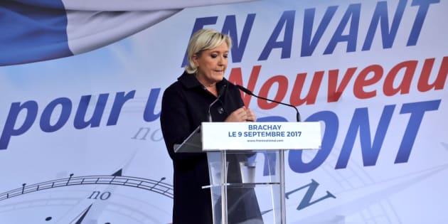 Marine Le Pen à Brachay, en septembre dernier, avait annoncé son intention de changer le nom du FN.