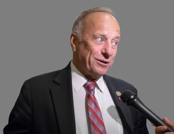 Rep. Steve King faces increasing pressure to resign